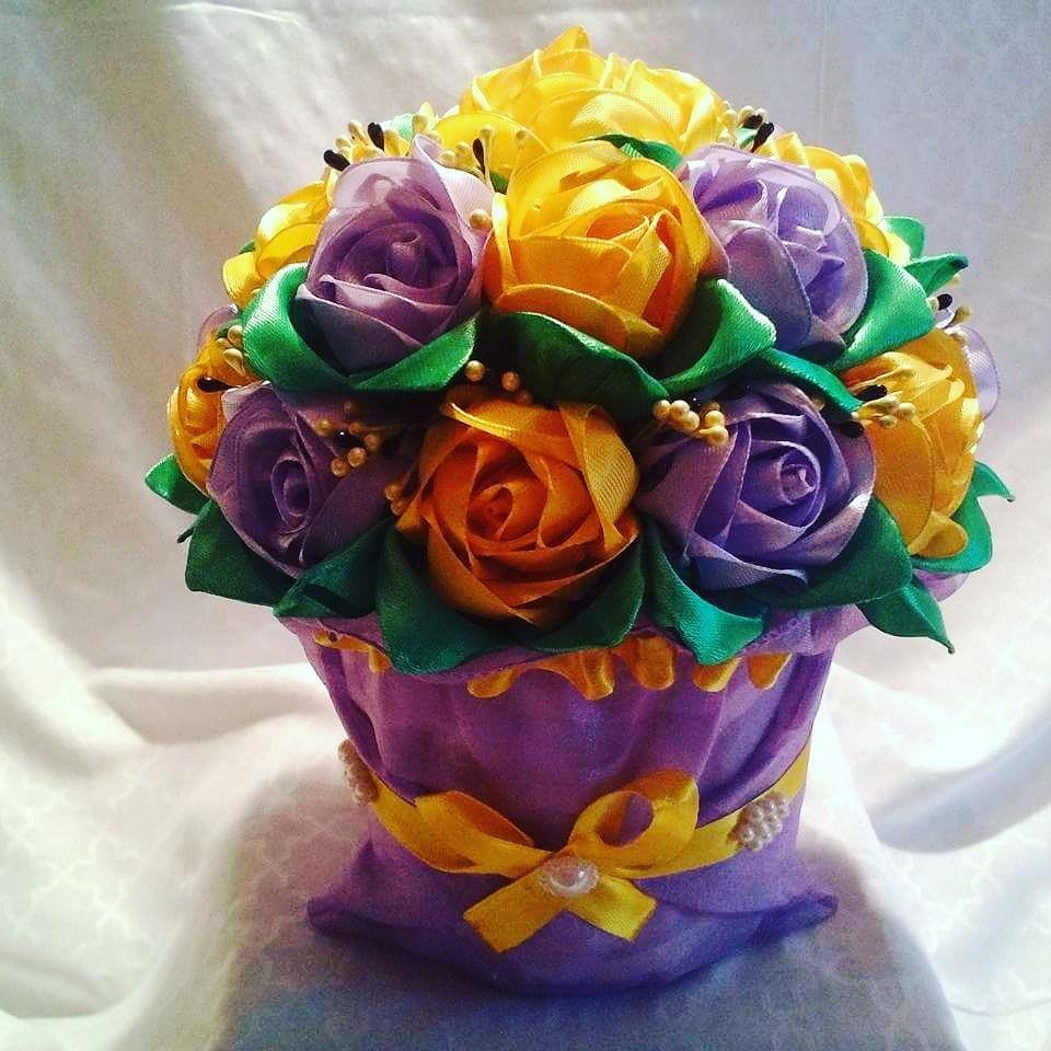 Горшочек с цветком своими руками из атласных лент 17