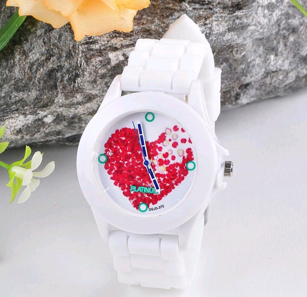 Женские часы сердечко