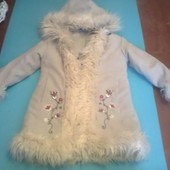 Фирменное демисезонное пальто на девочку 4 - 5 лет