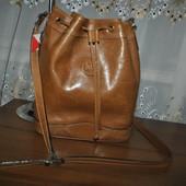 Кожанная сумочка на плечо или через плечо бренда Carriage