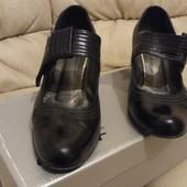 Туфли , кожа снаружи, кожа внутри 38 р-р, 24,5 см по стелтки в хорошем состоянии