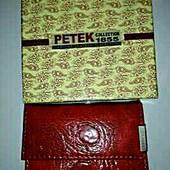 Очень симпатичный миниатюрный кошелечки Petek.