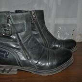 Дорогой бренд,кожанные мужские сапожки бренда Bugatti,р 40 ст 27.5 см,отл.состояние,большемерят