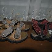 Полностью кожанные босоножки бренда Andre р 24 ст 15.5 см от края до края изнутри