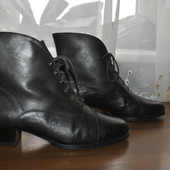 Кожанные ботиночки бренда Jasmin,р 41 ст 26.5 см,состояние новых