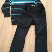 Тонкий свитерок и джинсы