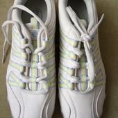Новые кроссовки 24.5 см