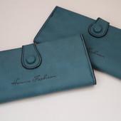 Женский  кошелек с отделениями для купюр и карт