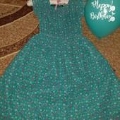 Очень красивое фирменное платье,9-11лет