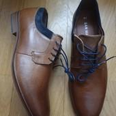 Туфлі із натуральної шкіри 41 рр і устілка 27,7 см.