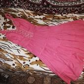 Шикарное, лёгкое платье. Цвет коралловый. Состояние отличное, как новое! Размер S