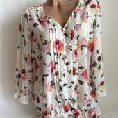Стильная блуза в красивом цветочном орнаменте, Она просто шикарная!Оденете под любую вещь!