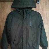 Теплая куртка,фасон бомбер от H&M +реглан,в отличном качестве и достойном состоянии,на 10-11 лет