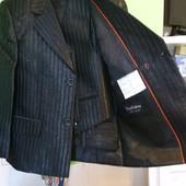 Классический костюм для школы, сада- пиджак+жилет +брюки, новый в чехле