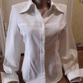 Блузка приталенная с длинным рукавом в отличном состоянии!