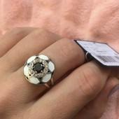 Новое с биркой ! Серебряное кольцо 925 пробы .