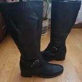 Високі чоботи із натуральної шкіри 41 рр і устілка 27,5 з носиком. Утеплені.
