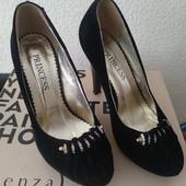 Туфли на каблуке 37 р