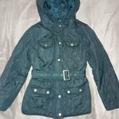 Легкая, стильная, стеганная курточка на стройную девочку