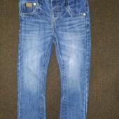 Стильные джинсы узкачи Next