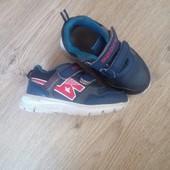 Детские кроссовки в отличном состоянии!