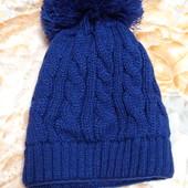 Новая вязаная шапка красивого синего цвета!