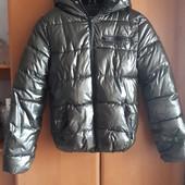 Зимняя очень теплая ,красивая куртка-40-42 раз