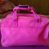 Большая дорожная спортивная сумка и рюкзак