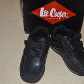 Туфлі для хлопчика фірми Lee Cooper,з Англії