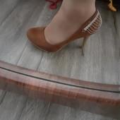 туфлі 37 розмір повномірні