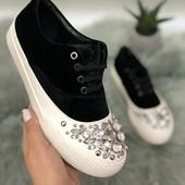 Шикарные кроссовки с камнями!!! Качество!!! 37р=24см