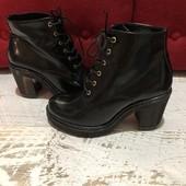 Ботинки із натуральної шкіри,від Andre,розмір 38,устілка 24,5