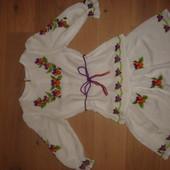 Комплект для девочки ручная вышивка бархатцы в отличном состоянии на 104-116