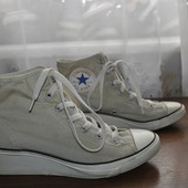 Оригинал,кеды сникерсы Converse,Вьетнам,р 38 ст 24 см,отличное состояние,узкая ножка