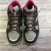 Отличные ботиночки Quechua Oxylone 37 размер стелька 23, 5 см