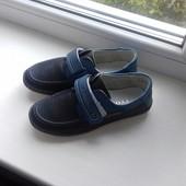 Новые стильные туфли на липучке 33 р-ра-20 см