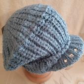 Шикарная вязаная шапка(берет)с козырьком, полушерсть