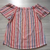 Фирменная красивая блуза в состоянии новой вещи р.16-20