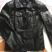 Кожаная куртка размер L