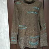 Фирменный красивый тепленький свитер в отличном состоянии р.16-20