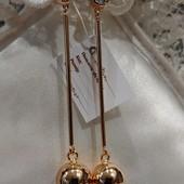 шикарные и оригинальные серьги-гвоздики висюльки с большими шарами, позолота 585 пробы