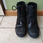 Демисезонные ботинки в хорошем состоянии стелька 20 см.