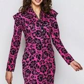 Новое, Платье приталенного кроя с кокетливым V-вырезом р. 44