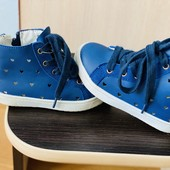 Кеды-ботиночки перфорированные 16 см, супинатор. Состояние-идеальное.