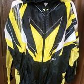 фірмова ,спортивна куртка ...