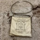 Кожаная сумка кроссбоди Tommy Hilfiger