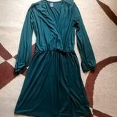 Очень красивое платье на запах изумрудного цвета 48-50