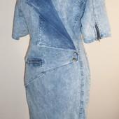 стильное джинсовое платье-варенка,С\М,верх ассиметричный.38 бирка.