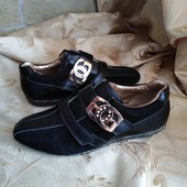 Женские кожаные стильные кроссовки Guess. Размер 37 - 24.3 cм.