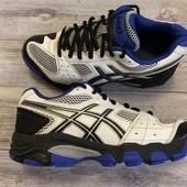 Крутые кроссовки Asics 34 размер стелька 22 см